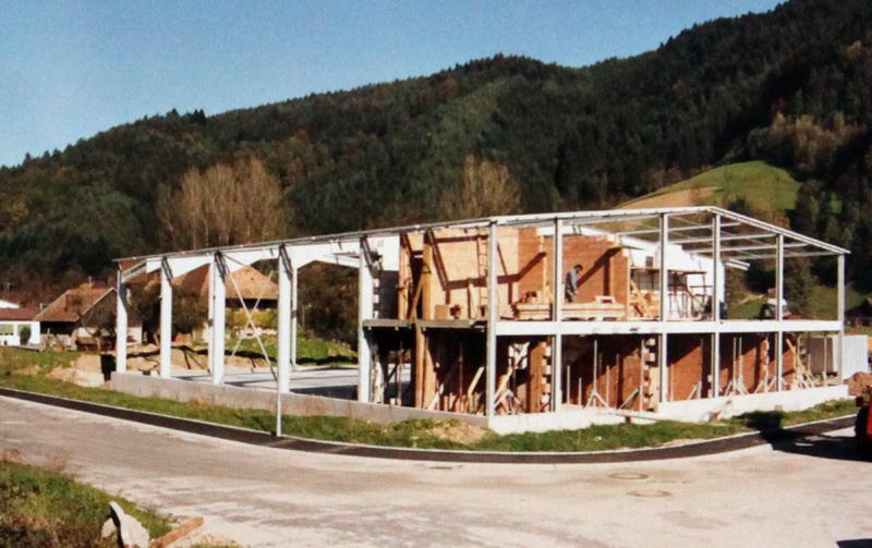 Gründung der GmbH - Hallenneubau 1990
